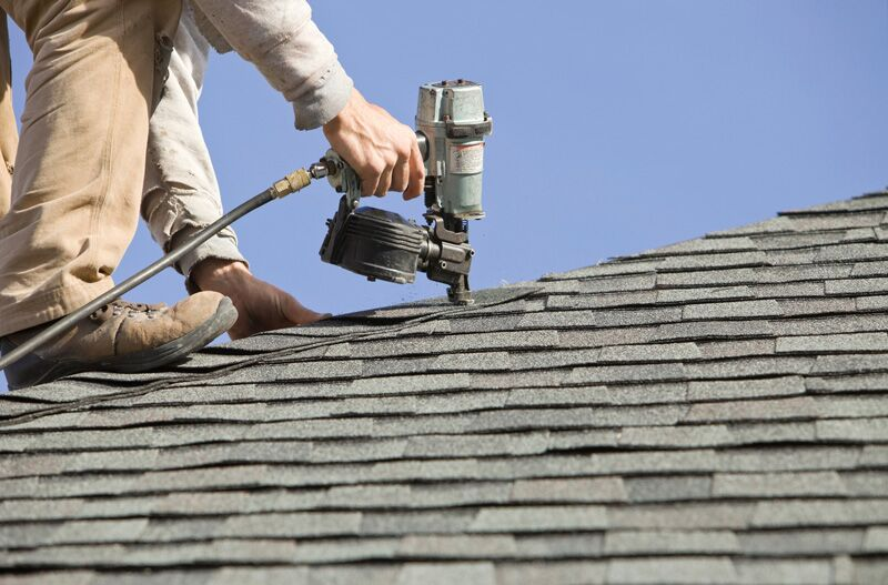 Image of Fort Worth Texas roofing contractor working on a roof